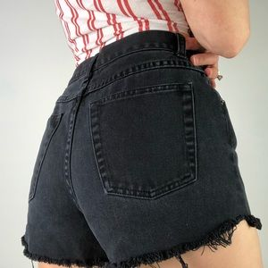 VINTAGE LA BLUES Hi Waist Cutoff Black Denim Short